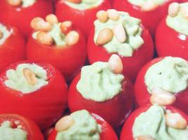 Помидоры, фаршированные шпинатом